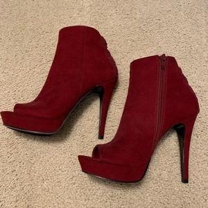 BRAND NEW Nine West Burgundy Side Zip Heels